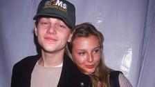 En 1994, antes de que la fama de proporciones épicas tocara a la puerta de Leonardo DiCaprio, se rumoró que él tenía un romance con la modelo estadounidense Bridget Hall. El noviazgo nunca se confirmó, pero así comenzó la racha del astro de Hollywood con las supermodelos.
