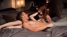 5 cosas que las mujeres adoran en la cama, pero les da vergüenza admitir