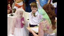 Eileidh y Harry en el altar