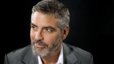 George Clooney tiene 56 años.