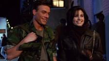 La participación de Jean-Claude Van Damme, que también se interpretó a sí mismo, coincidió con la de Julia Roberts y otras estrellas en un capítulo especial, aunque su aparición fue mucho más breve. Monica y Rachel discuten por tener una cita con él.