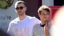 Sam Smith y Brandon Flynn por las calles de Nueva York.