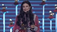 """Latin Grammy: Mejor canción alternativa para Mon Laferte por """"Amárrame"""""""