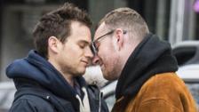 Sam Smith y Brandon Flynn muestran su amor en Nueva York