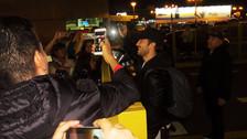 Pablo Alborán llegó a Lima y fue recibido por sus fans en el aeropuerto