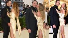 MET Gala 2018: Tom Brady no dejó de tocar a Gisele Bündchen en la alfombra roja