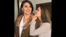 Sofi Rivera junto a su mamá